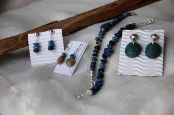 ruth bloomer jewlery photo by mo stych leland blue earrings