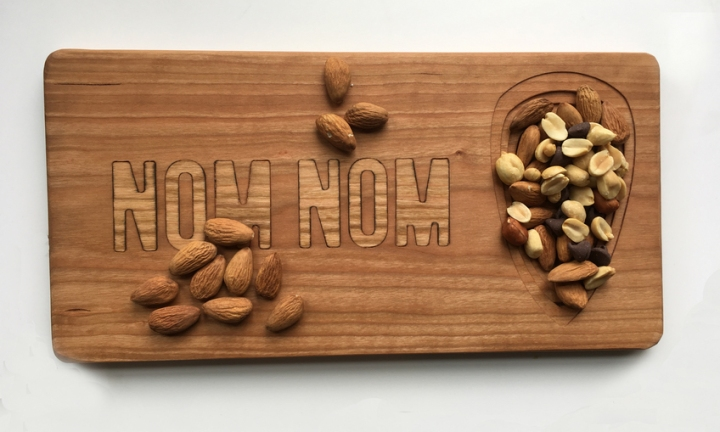 Nom Nom Inlay Cutting Board with Dish 1