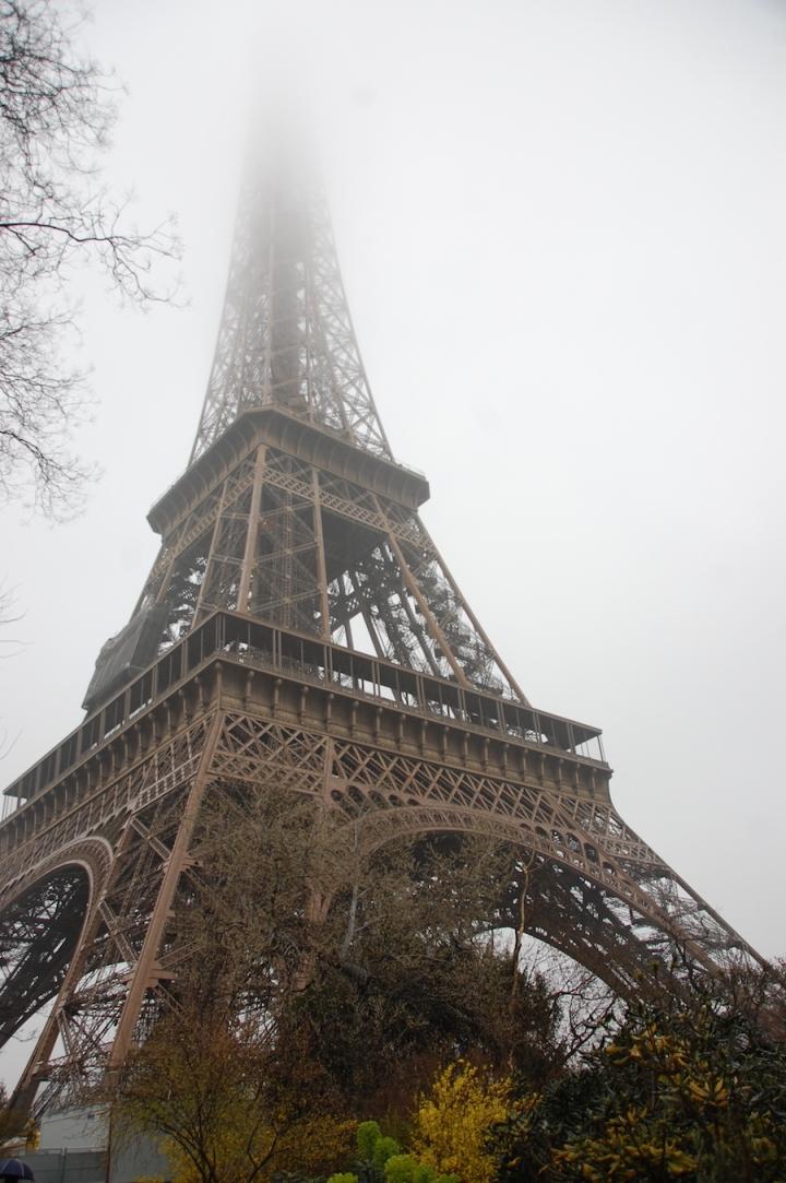 Eiffel Tower Paris - foggy in the spring