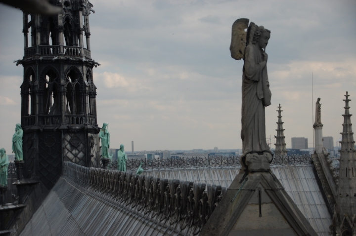 Notre Dame - Rooftop angels
